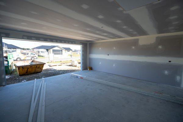 High quality garage plastering